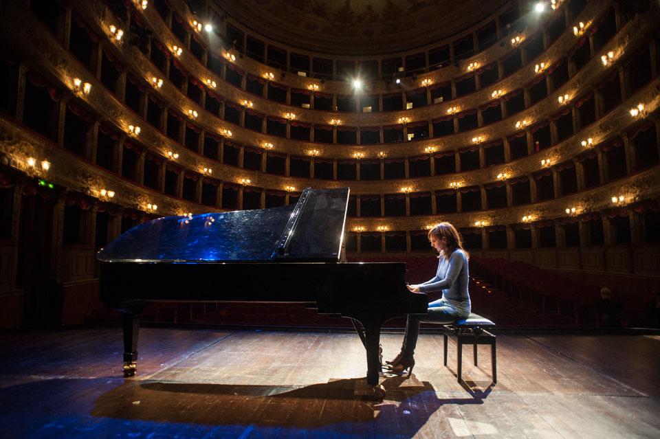 Donne al pianoforte: ecco le fantastiche 5