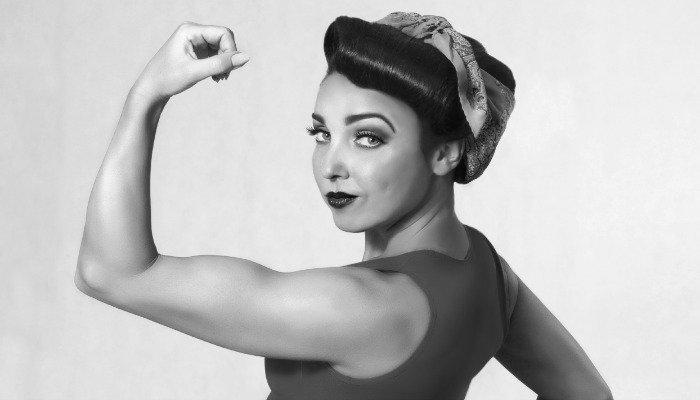 Amna, la donna sollevatrice di pesi